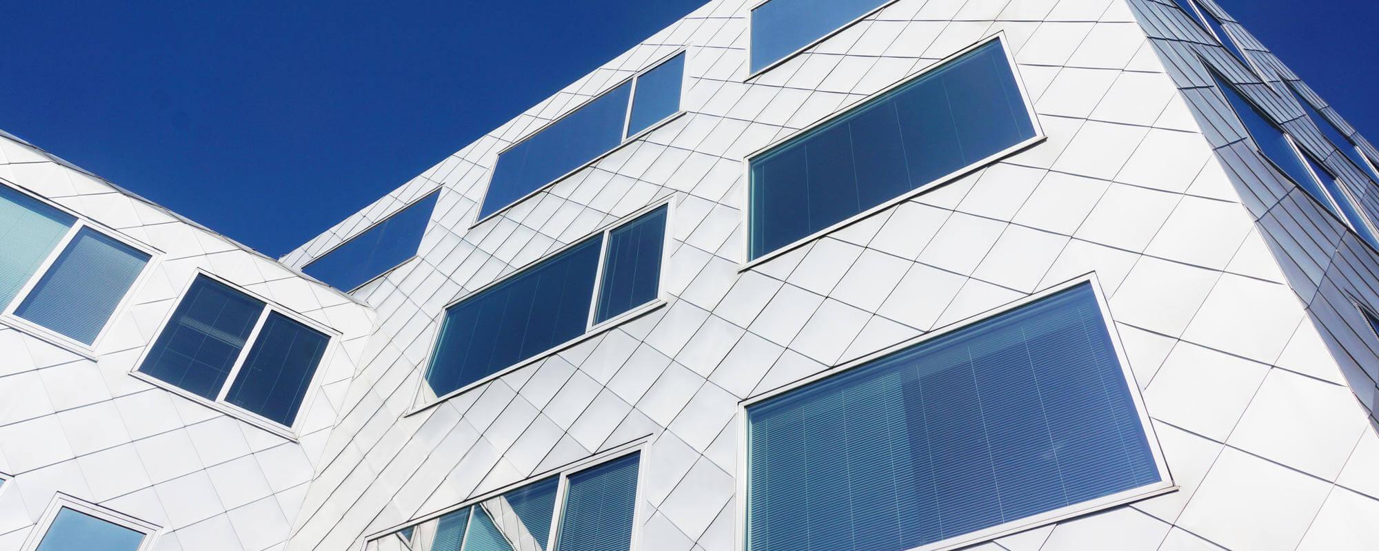Aliuminio fasado dangos